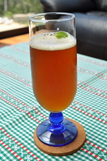 カバノアナタケ茶(カバノアナタケ100%の樺茶)のサイダー割り